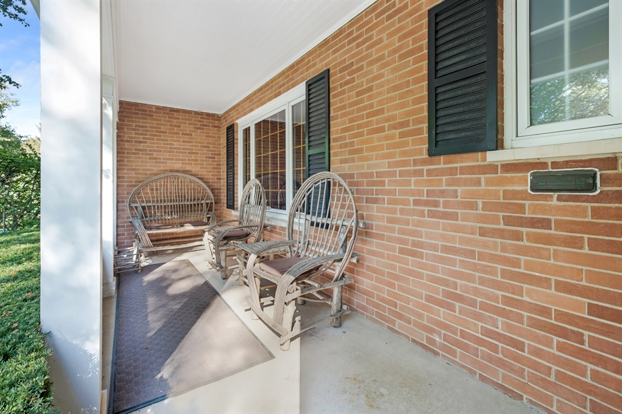 Real Estate Photography - 423 Northwood, Glencoe, IL, 60022 - Porch