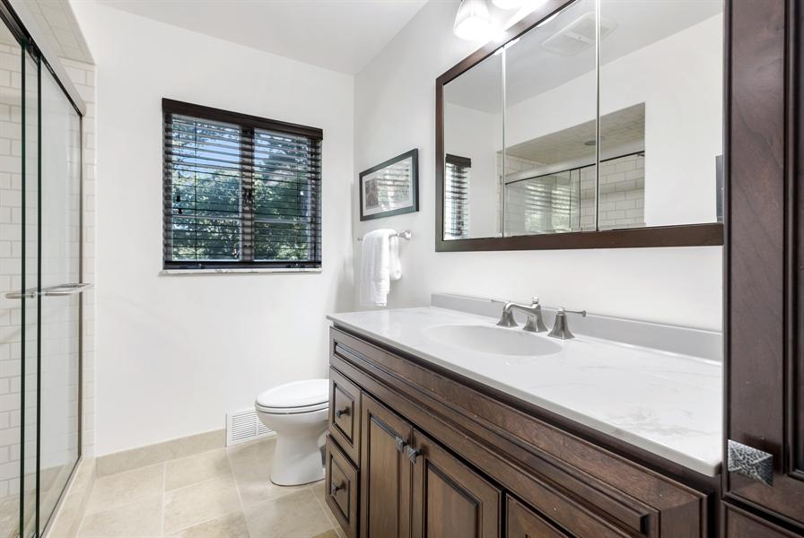 Real Estate Photography - 423 Northwood, Glencoe, IL, 60022 - 2nd Full Bath