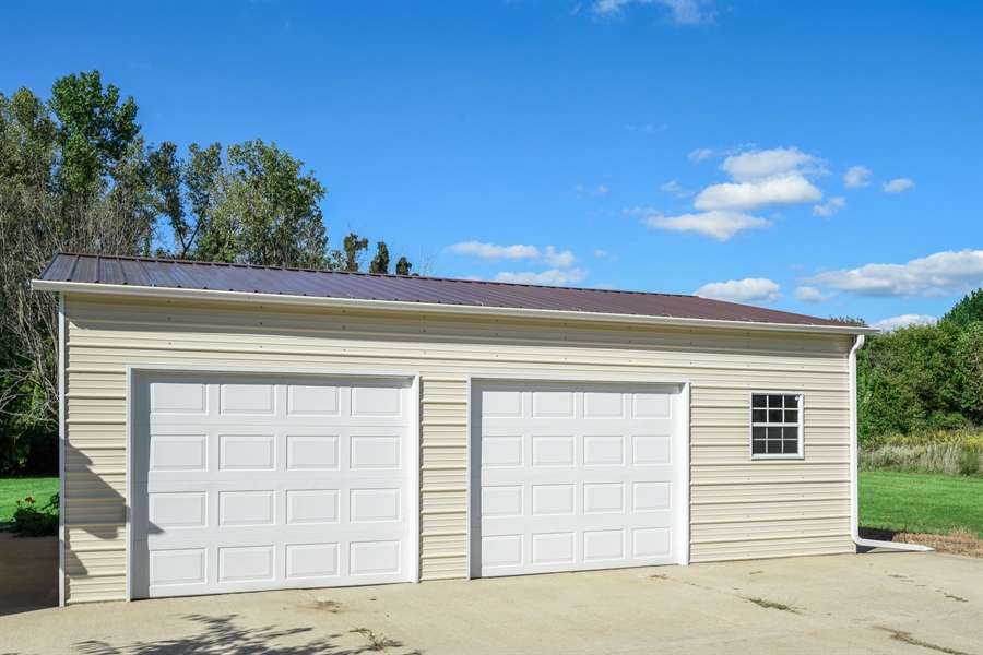Real Estate Photography - 2175 w. Hinchman, Baroda, MI, 49101 - Garage