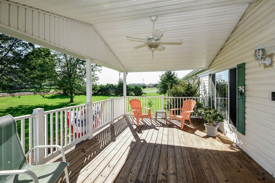 Real Estate Photography - 2175 w. Hinchman, Baroda, MI, 49101 - Porch