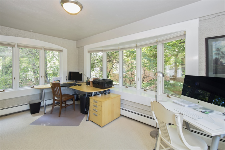 Real Estate Photography - 196 E. St Charles, Elmhurst, IL, 60126 - Office
