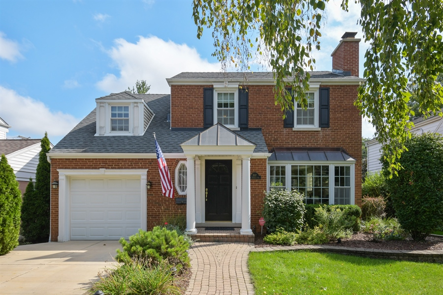 Real Estate Photography - 507 N Douglas Ave, Arlington Heights, IL, 60004 - Front View
