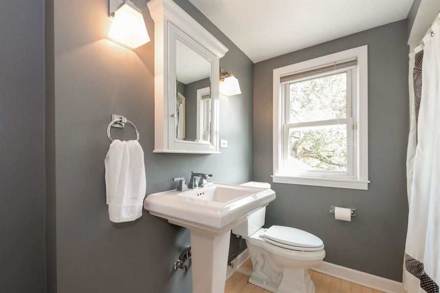 Real Estate Photography - 507 N Douglas Ave, Arlington Heights, IL, 60004 - Bathroom