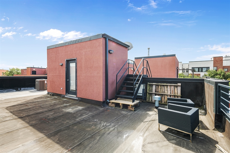 Real Estate Photography - 2314 W Wolfram, Chicago, IL, 60618 - Roof Deck