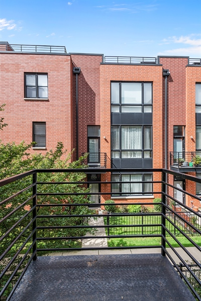 Real Estate Photography - 2314 W Wolfram, Chicago, IL, 60618 - Balcony