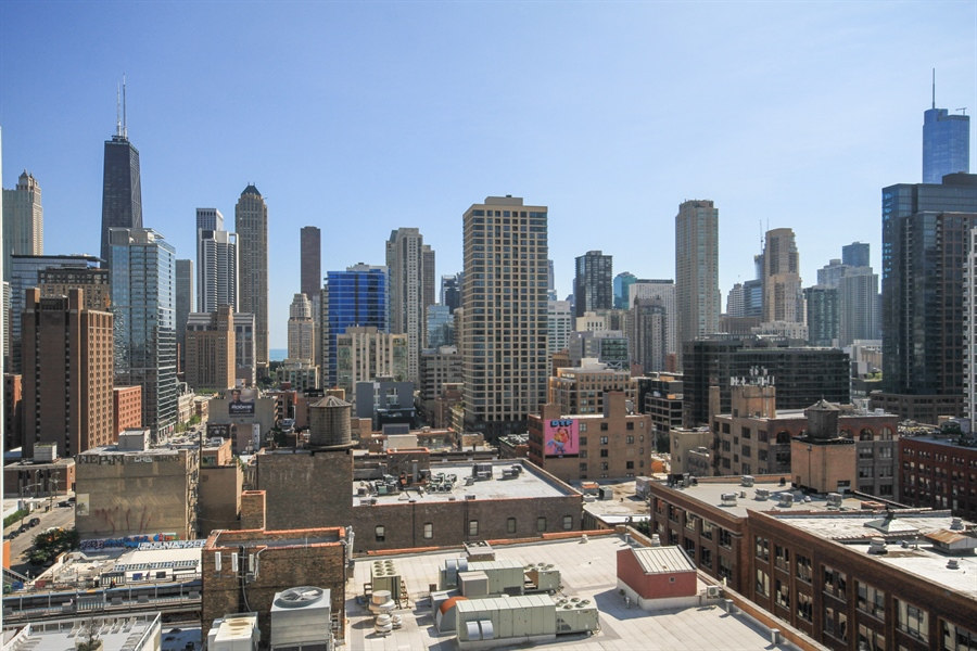Real Estate Photography - 340 W Superior, unit 1602, Chicago, IL, 60654 - View