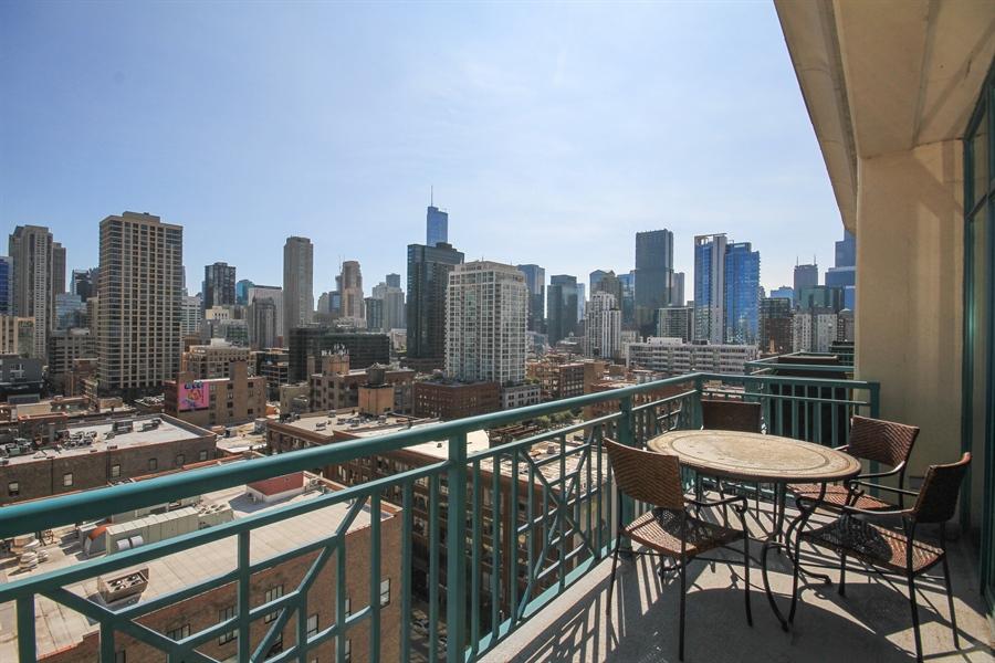 Real Estate Photography - 340 W Superior, unit 1602, Chicago, IL, 60654 - Deck