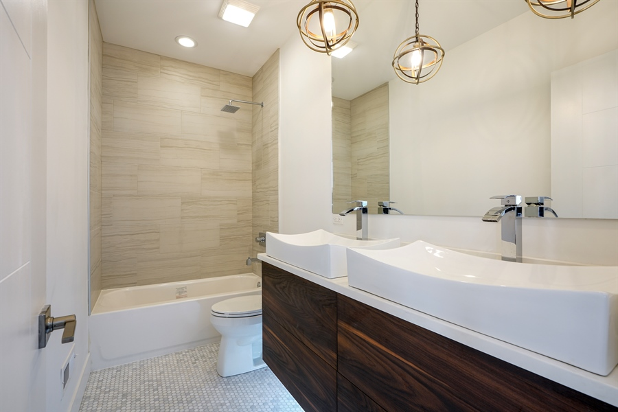 Real Estate Photography - 1806 N Mozart, Chicago, IL, 60647 - 2nd Bathroom