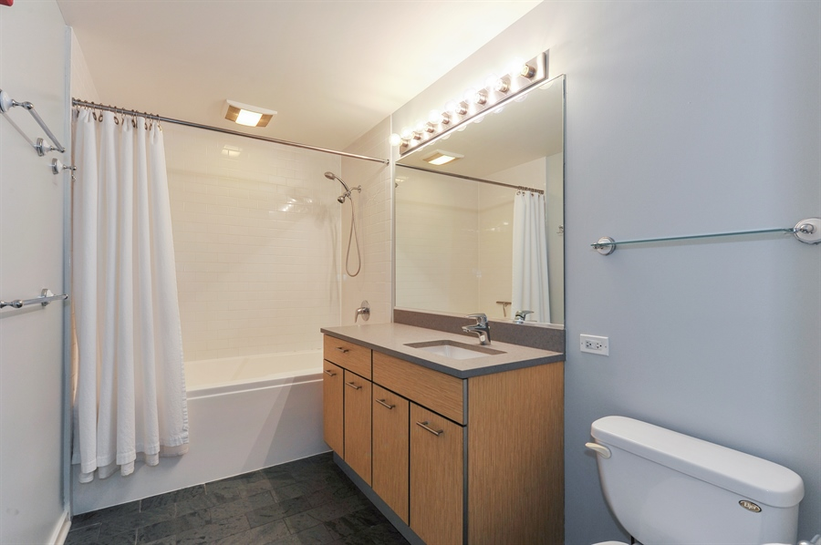Real Estate Photography - 659 W Randolph St, Unit 712, Chicago, IL, 60661 - Master Bathroom