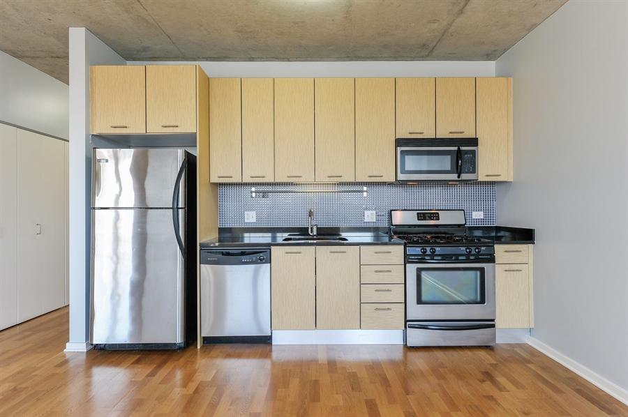 Real Estate Photography - 659 W Randolph St, Unit 712, Chicago, IL, 60661 - Kitchen