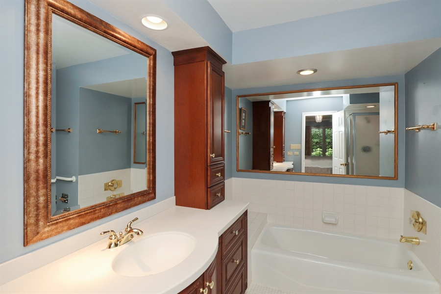 Real Estate Photography - 2 Warrington Drive, Lake Bluff, IL, 60044 - Master Bathroom