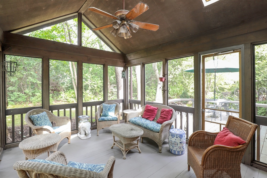 Real Estate Photography - 2 Warrington Drive, Lake Bluff, IL, 60044 - Screened Porch