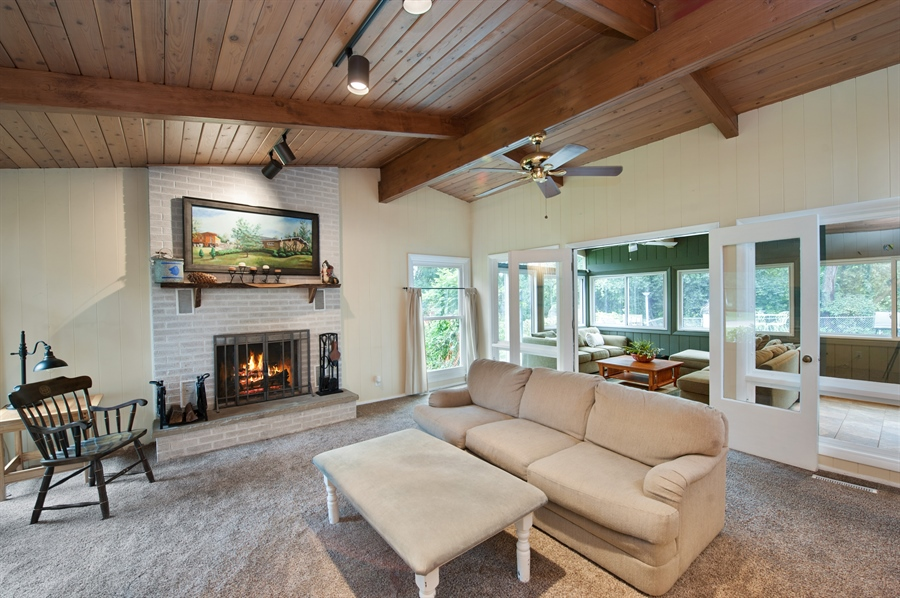 Real Estate Photography - 40105 97th St, Genoa City, WI, 53128 - Living Room