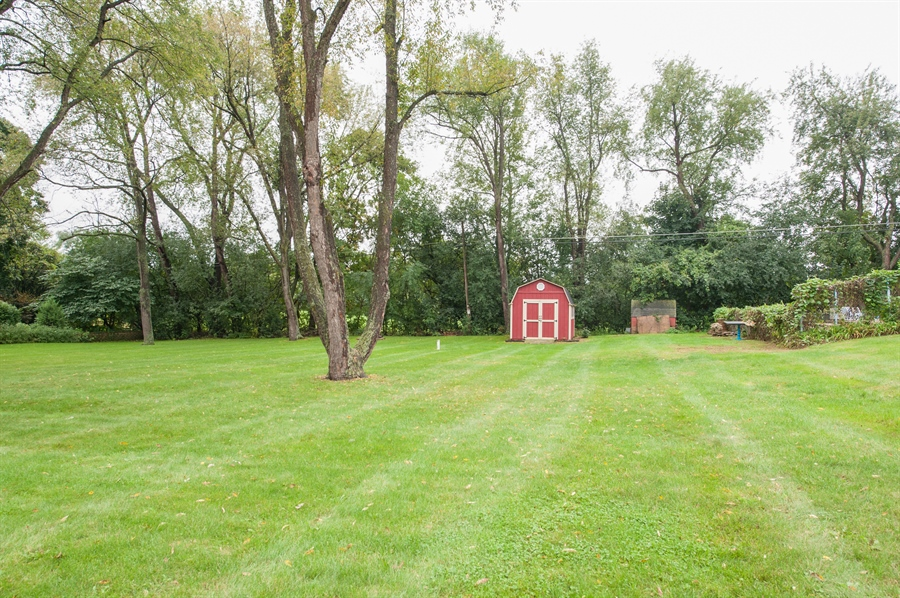 Real Estate Photography - 40105 97th St, Genoa City, WI, 53128 - Side Yard