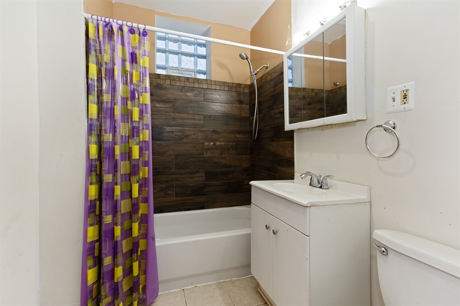 Real Estate Photography - 1815 S Avers, Chicago, IL, 60623 - Bathroom