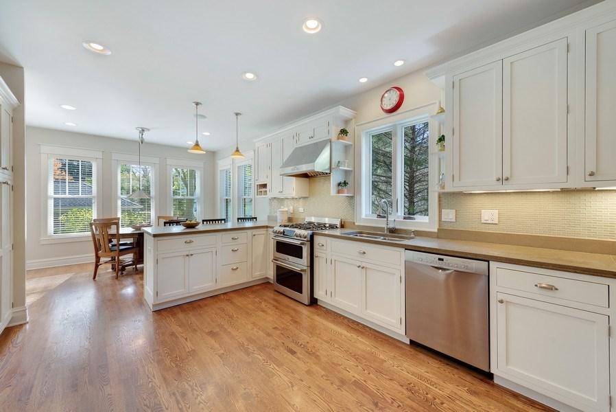 Real Estate Photography - 1623 Washington Ave, Wilmette, IL, 60091 - Kitchen / Breakfast Room