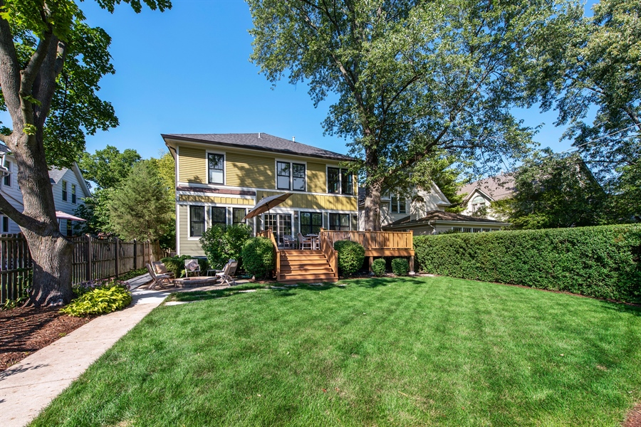 Real Estate Photography - 1623 Washington Ave, Wilmette, IL, 60091 - Rear View