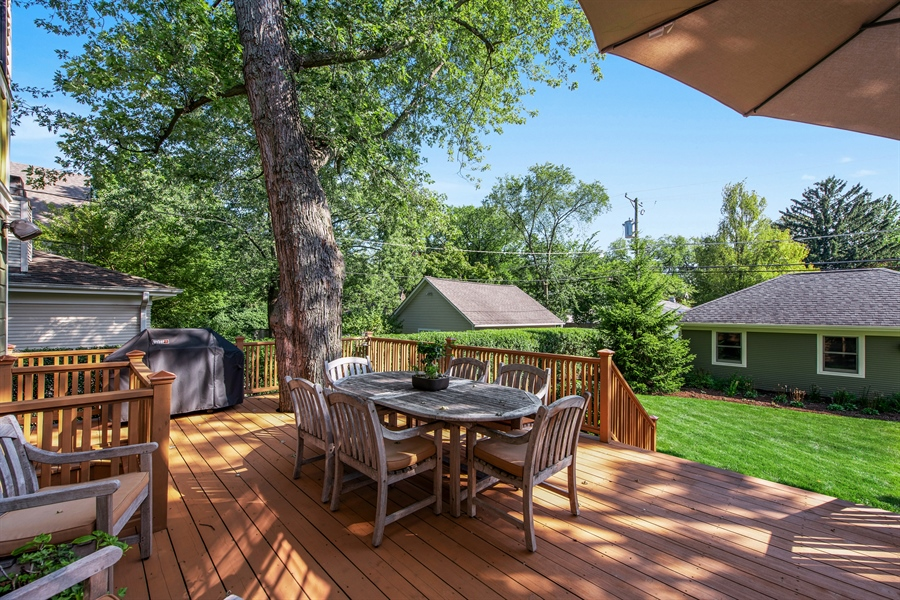 Real Estate Photography - 1623 Washington Ave, Wilmette, IL, 60091 - Deck