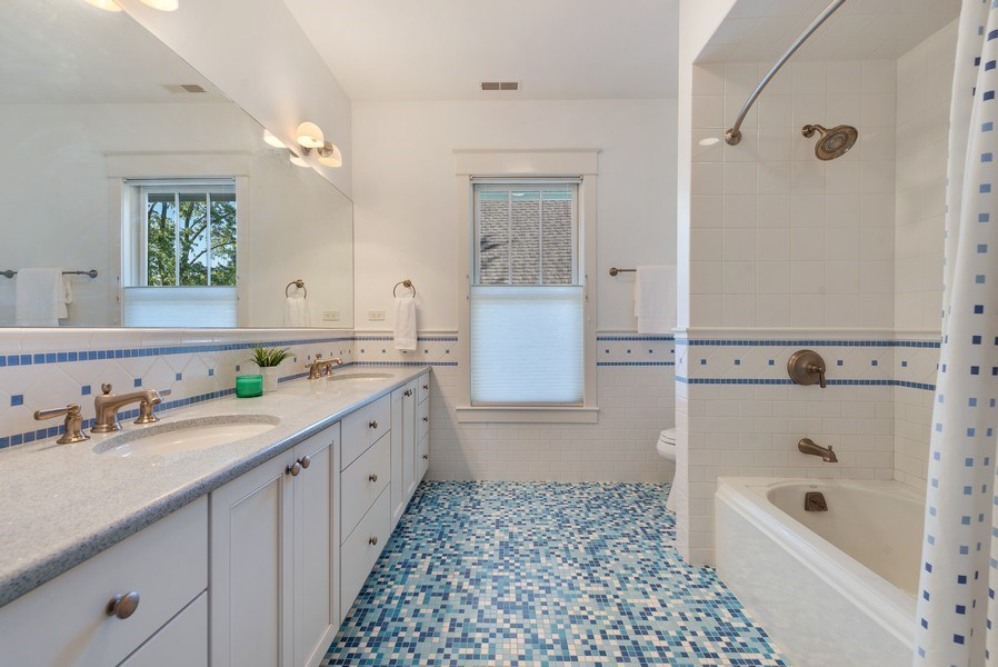 Real Estate Photography - 1623 Washington Ave, Wilmette, IL, 60091 - 2nd Bathroom