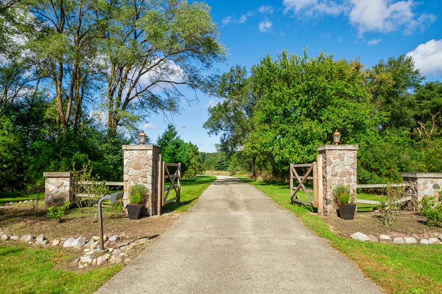 Real Estate Photography - N8925 Tamarack, Whitewater, WI, 53190 - Driveway