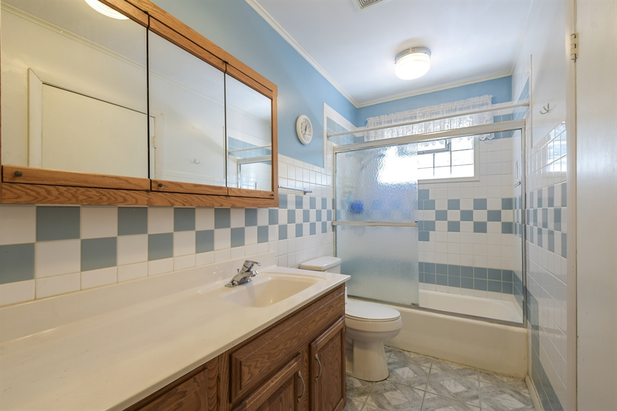 Real Estate Photography - 1217 N Chicago Ave, Arlington Heights, IL, 60004 - Bathroom