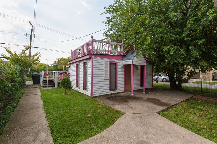 Real Estate Photography - 556 N Central Ave, Chicago, IL, 60644 - Back Yard