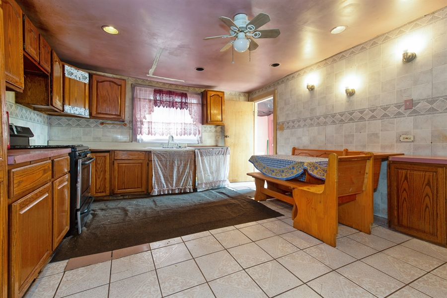 Real Estate Photography - 556 N Central Ave, Chicago, IL, 60644 - Kitchen