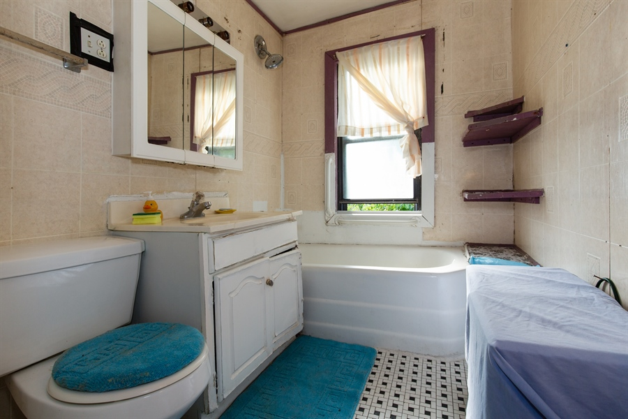 Real Estate Photography - 556 N Central Ave, Chicago, IL, 60644 - 2nd Bathroom