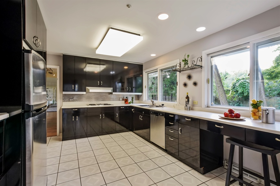 Real Estate Photography - 383 Seven Pines, Highland Park, IL, 60035 - Kitchen