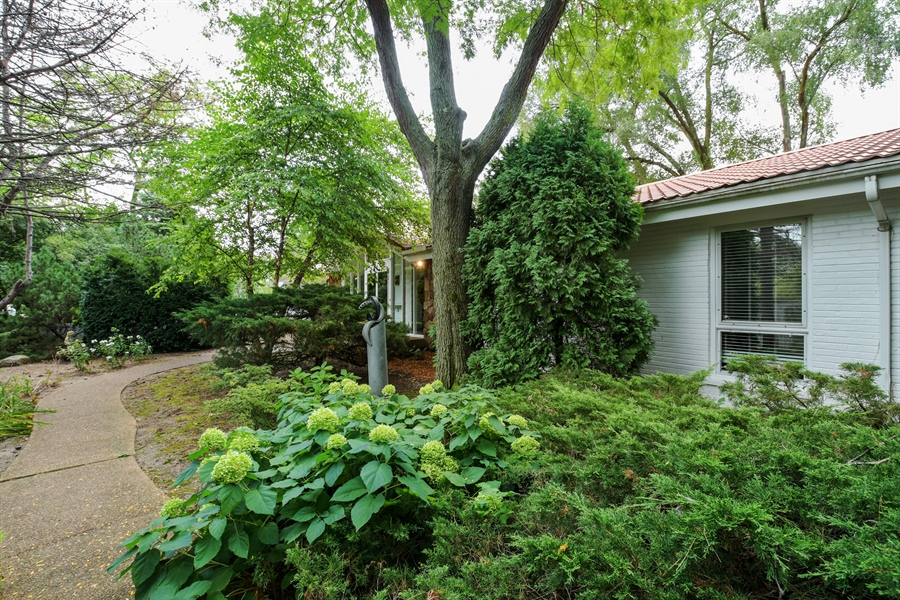 Real Estate Photography - 383 Seven Pines, Highland Park, IL, 60035 - Front View