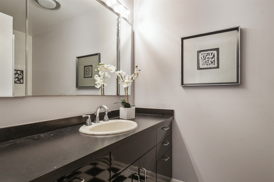 Real Estate Photography - 383 Seven Pines, Highland Park, IL, 60035 - 2nd Bathroom