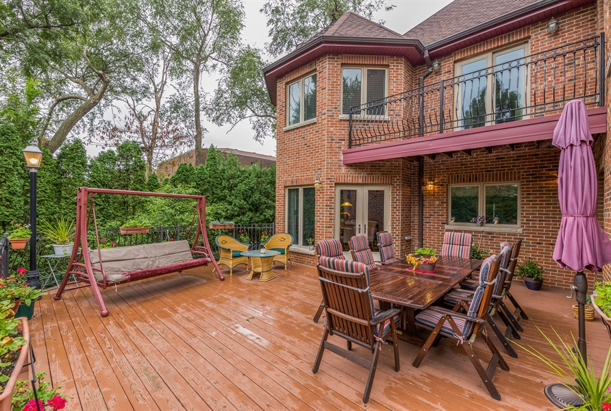 Real Estate Photography - 9681 Elms Terr, Des Plaines, IL, 60016 - Deck