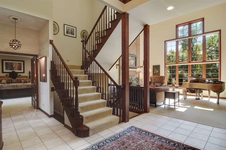 Real Estate Photography - 26541 Pond Shore, Wauconda, IL, 60084 - Foyer