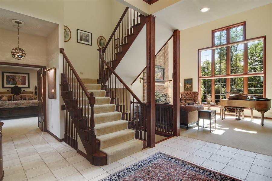 Real Estate Photography - 26541 Pond Shore, Wauconda, IL, 60084 - Foyer