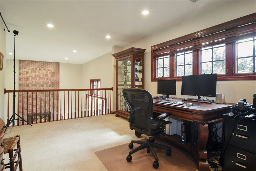 Real Estate Photography - 26541 Pond Shore, Wauconda, IL, 60084 - Loft