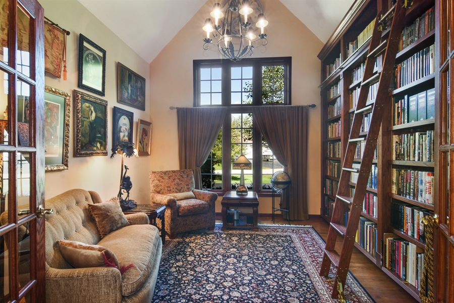 Real Estate Photography - 26541 Pond Shore, Wauconda, IL, 60084 - Library
