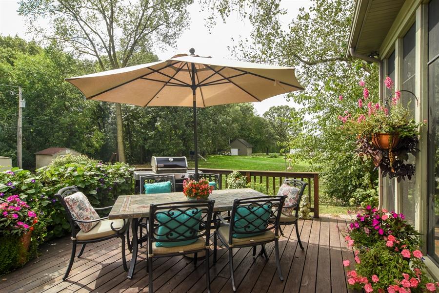 Real Estate Photography - 26541 Pond Shore, Wauconda, IL, 60084 - Deck