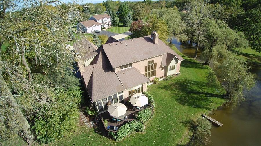 Real Estate Photography - 26541 Pond Shore, Wauconda, IL, 60084 -