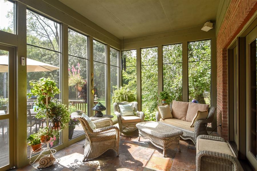 Real Estate Photography - 26541 Pond Shore, Wauconda, IL, 60084 - Sun Room