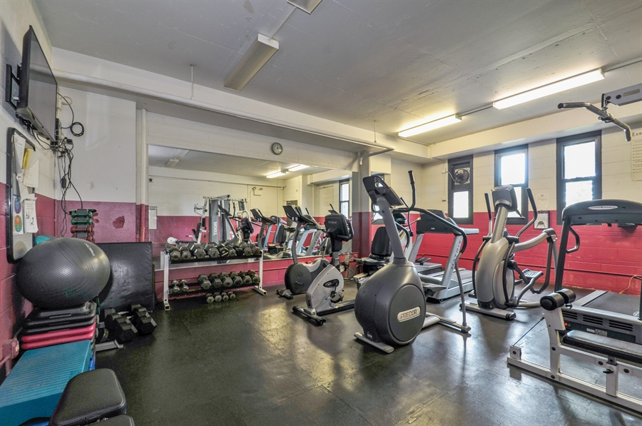 Real Estate Photography - 3430 Lake Shore Dr., 12M, Chicago, IL, 60657 - Gym