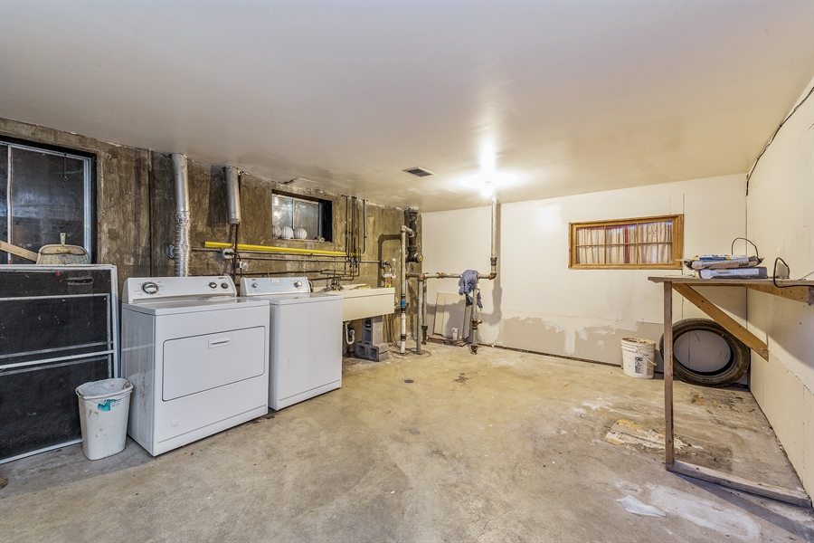 Real Estate Photography - 1660 S Mannheim road, westchester, IL, 60154 - Laundry Room