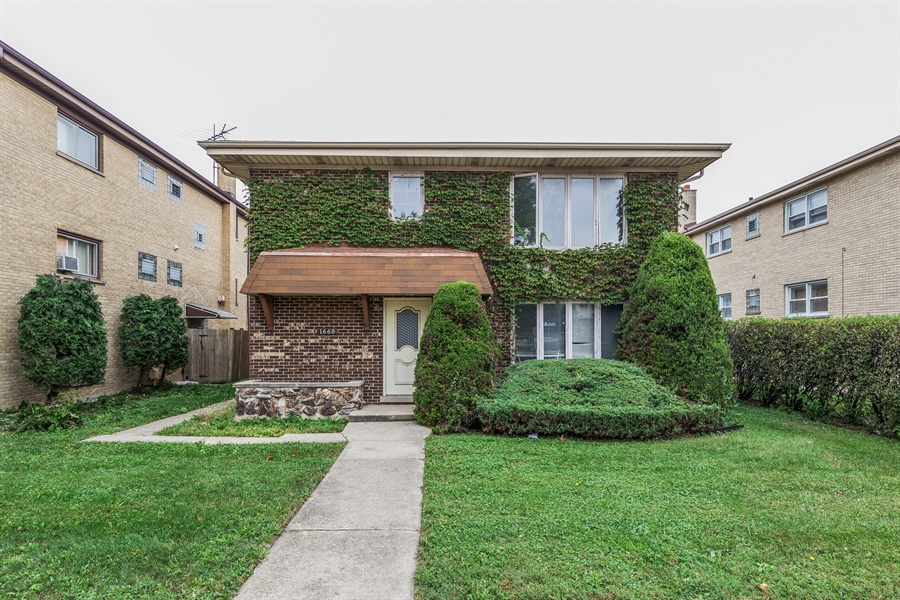 Real Estate Photography - 1660 S Mannheim road, westchester, IL, 60154 - Front View