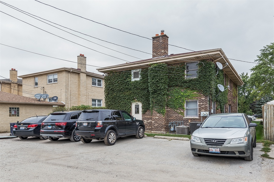 Real Estate Photography - 1660 S Mannheim road, westchester, IL, 60154 - Rear View