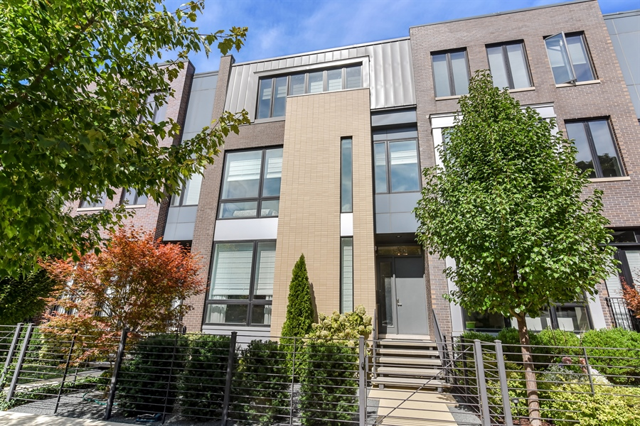 Real Estate Photography - 1534 W Montana, Chicago, IL, 60614 - Front View