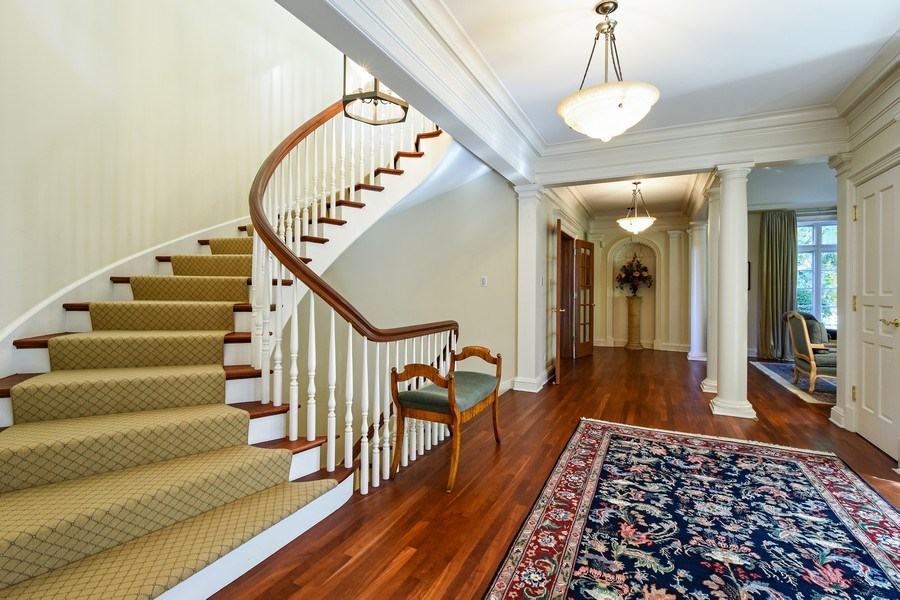 Real Estate Photography - 21923 N Old Barrington Rd, North Barrington, IL, 60010 - Foyer
