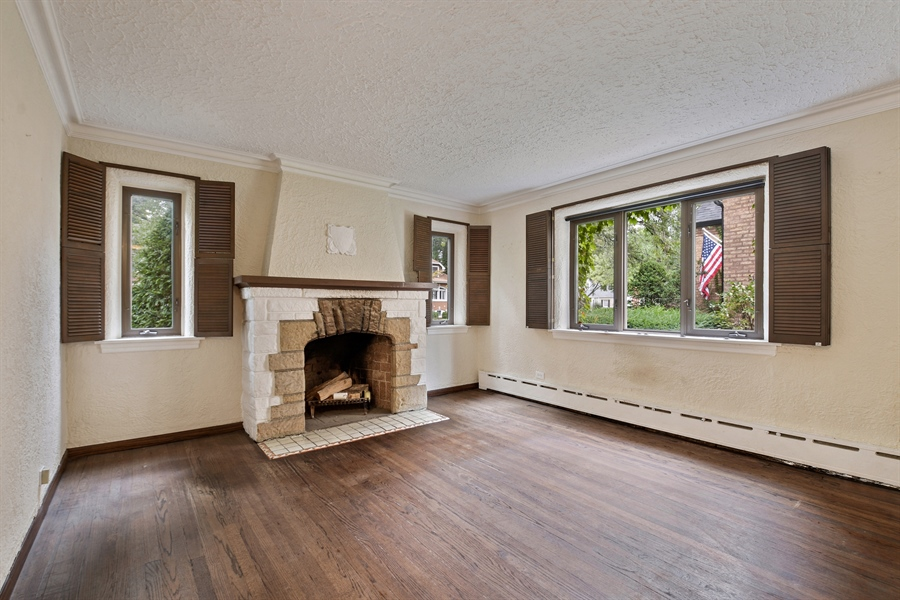 Real Estate Photography - 6612 N Chicora Ave, Chicago, IL, 60612 - Living Room