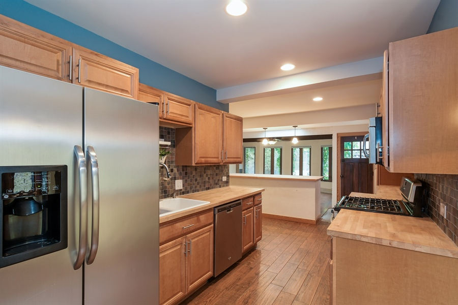 Real Estate Photography - 6612 N Chicora Ave, Chicago, IL, 60612 - Eat-In Kitchen