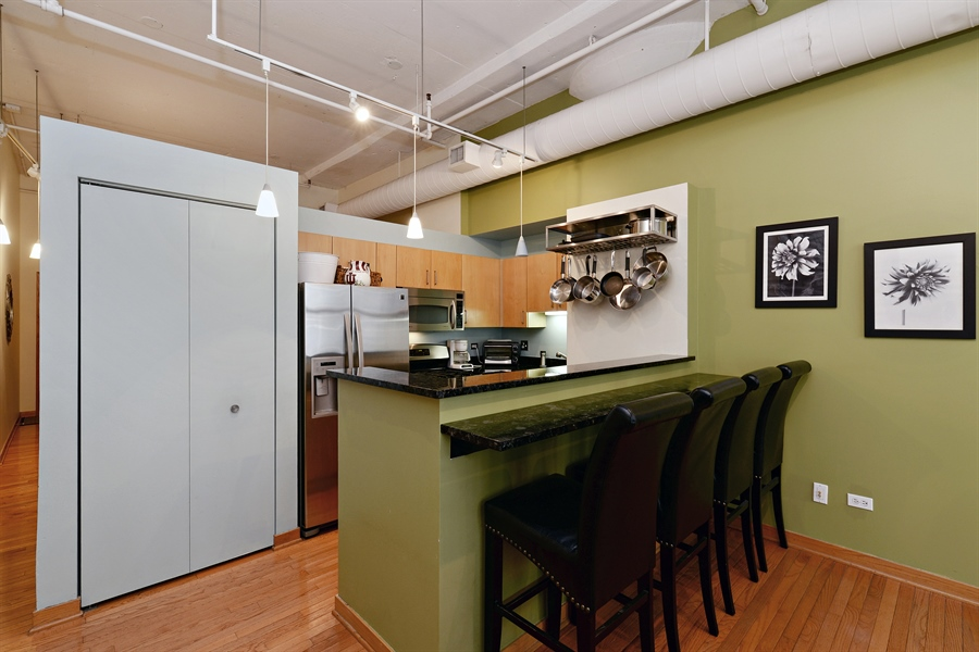 Real Estate Photography - 333 W Hubbard, 618, Chicago, IL, 60654 - Kitchen