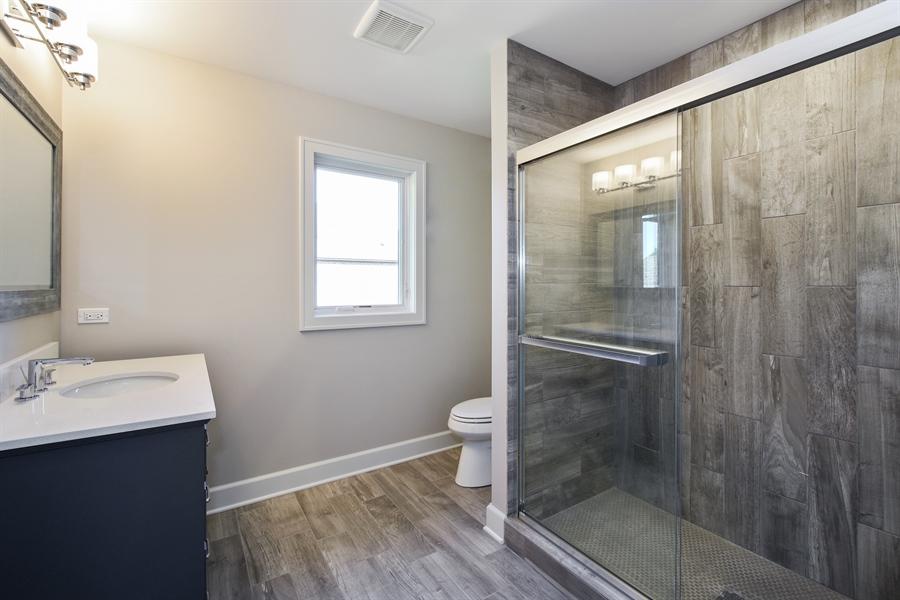 Real Estate Photography - 253 Mark Lane, Lake Zurich, IL, 60047 - 4th Bathroom