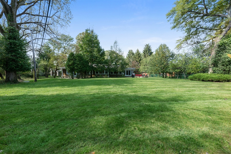 Real Estate Photography - 710 Elder Ct., Glencoe, IL, 60022 - Back Yard